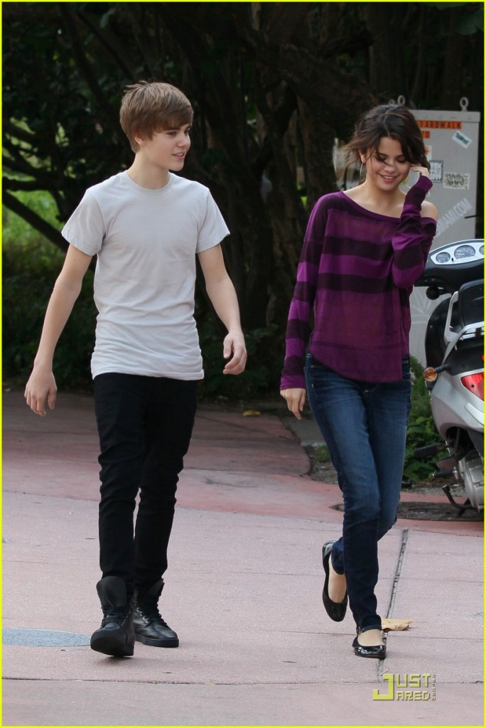 Justin Bieber and Selena Gomez Dating &#8211; 3